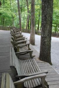 05pavilion_chairs