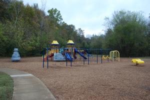 18creekwood_playground