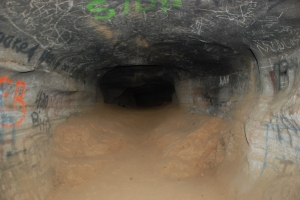 21cave_mtn_cave_crawl