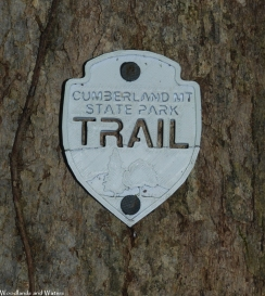 04white_trail_marker