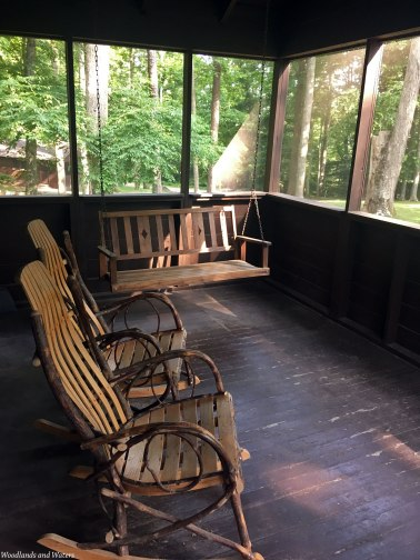Cabin 20 porch