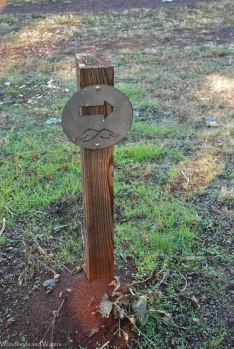 10trail_direction_marker