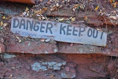 22mine_danger_sign