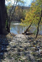 55steps_to_river