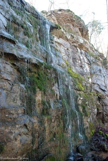 32seeping_waterfall